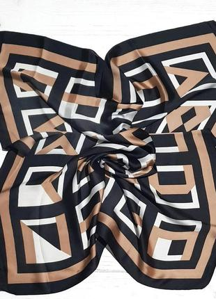 Легкий шелковый платок капучино черный в наличии