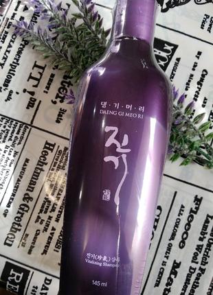 Шампунь для волос склонных к выпадению Daeng Gi Meo Ri Vitalizing