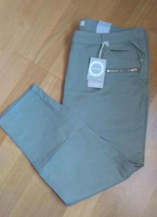 Модные брюки с молниями большого размера