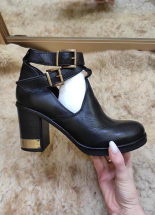 Кожаные стильные ботинки ботильоны сапожки на толстом каблуке ...