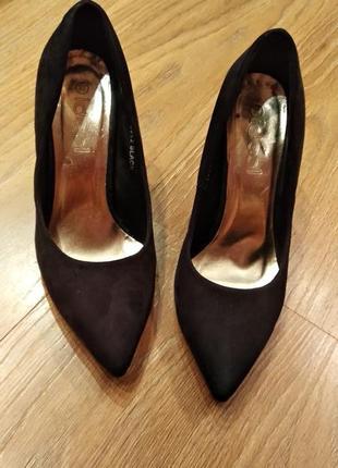 Туфли,черные,лодочка,шпилька