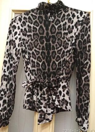 Леопардовая блузочка  в принт, с поясом 46-48р.