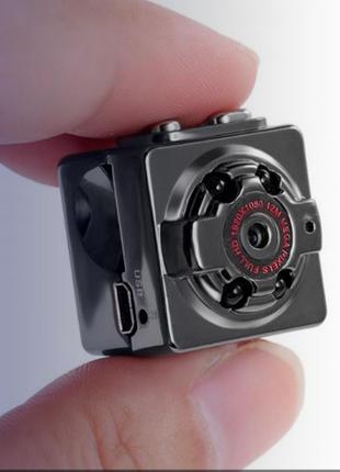 Маленькая видеокамера SQ8