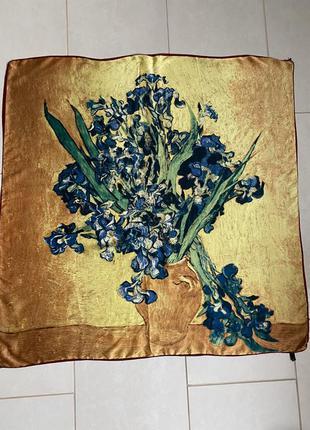 Платок шёлковый большой ваза с цветами , италия