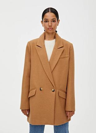 Базовое пальто pull&bear бежевого цвета