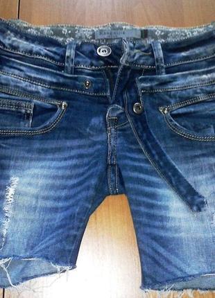 Супер джинсовые шорты 42-44р.