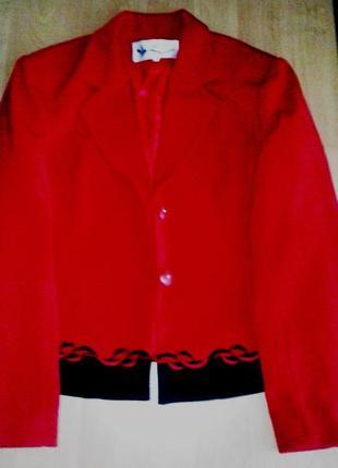 Нарядный костюм ( платье пиджак) 50-52р.