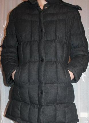 Теплая куртка с капюшоном 46-48р.