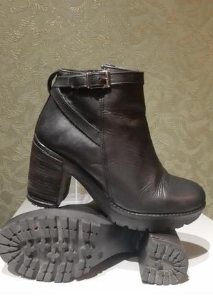 Женские итальянские кожаные демисезонные ботинки