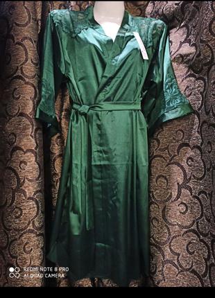 Атласный комплект изумрудного цвета, халатик с поясом и пеньюар