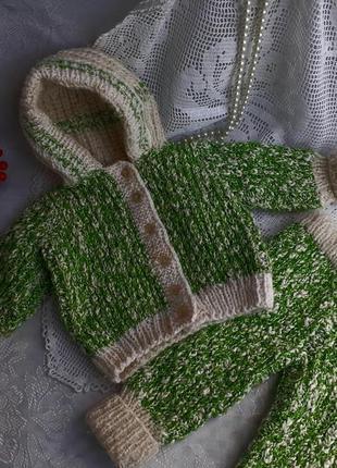 Костюм вязаный ручной работы для малыша куклы (кофта+штаны) ко...