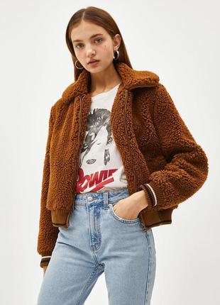 Трендовая коричневая куртка бомбер из искусственного меха весн...