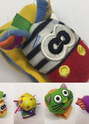 Іграшки-брязкальця на руку в асортименті