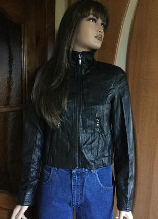 Курточка кожзам укороченная эффект жатки укороченная 10 размер