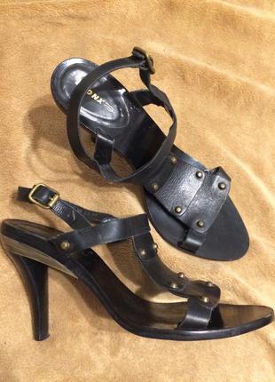 Bronx кожаные сандали босоножки 24-24.5 см