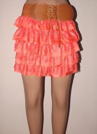 Модная юбочка кораллового цвета