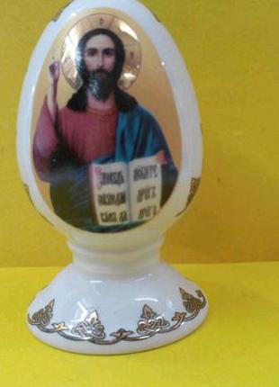 Яйцо пасхальное на подставке, керамика,позолота