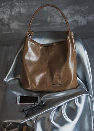 Коричневая сумка-мешок на плечо