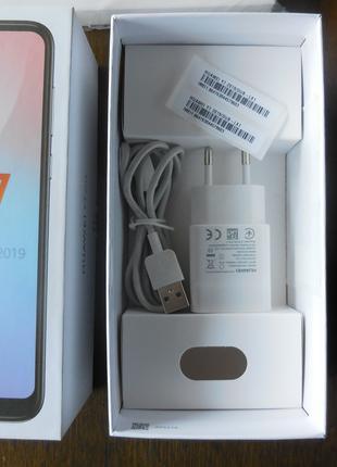 Коробка, зарядное устройство Huawei Y7 2019
