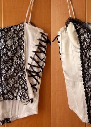 Майка-корсет черно-белая с гипюром и кружевом атласная