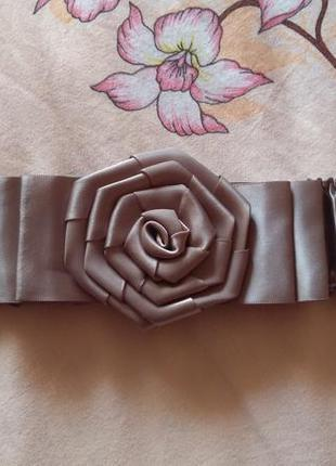 Атласный пояс/ремень жатка с украшением в виде розочки/на талию