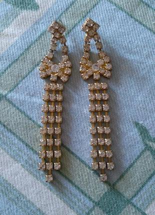 Золотистые висячие винтажные серьги с камнями/длинные