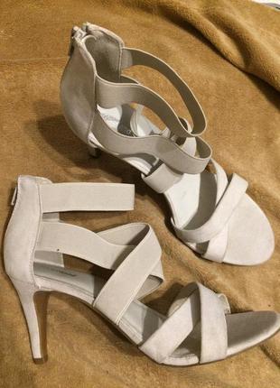 Graceland эластичные сандали босоножки на резинках 25.5-26 см
