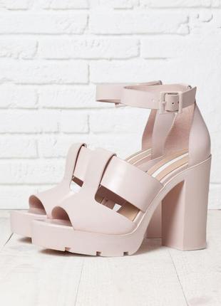 Bershka сандали босоножки на платформе 26-26.5 см