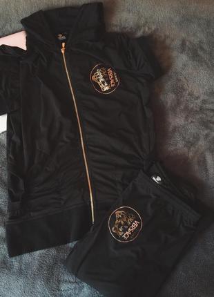 Чёрный спортивный костюм от versace