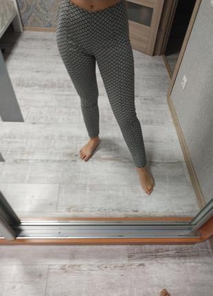 Шикарные брюки леггинсы в принт с высокой посадкой