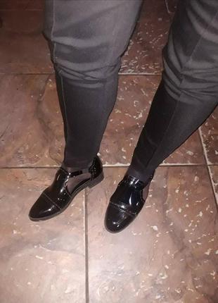 Туфли лоферы черные лакированные