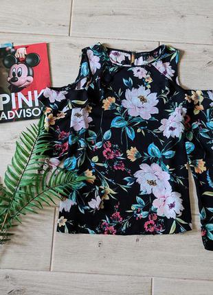 Шифоновая блуза блузка с открытыми плечами оборкой в цветочный...