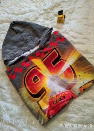 Махровое полотенце с тачками очень крутое)) с капюшоном 117*59