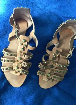 Кожаные женские сандалии на 37