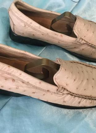 Кожаные женские туфли на 34