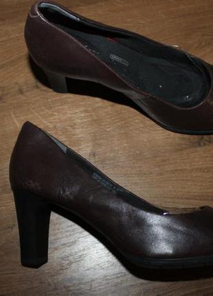 Кожаные туфли с амортизацией rockport by adidas, 37.5 размер
