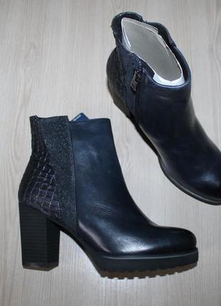 Демисезонные кожаные ботинки caprice, 37 размеры