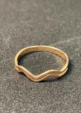 Золотое кольцо с фианитами 585 пробы 17 размера в ОТЛИЧНОМ сос...