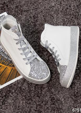 Весенние ботинки с сахарной вставкой