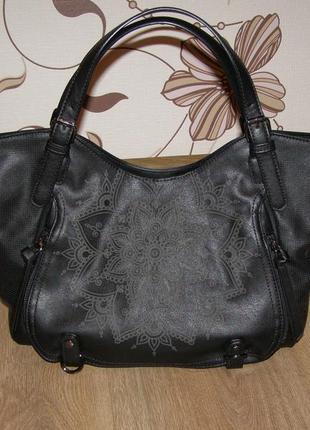 Черная сумка desigual