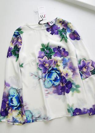 Нежная блуза в весенние цветы
