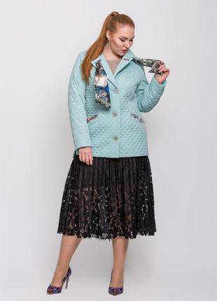 Стильная женская короткая весенняя мятная куртка с шарфиком