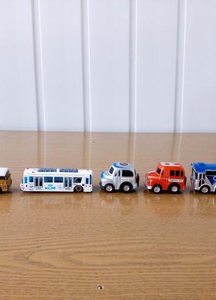 """4 Модельки Иннерционных Автомобилей+2 модельки(АВТОБУСА""""AIRPORT"""")"""