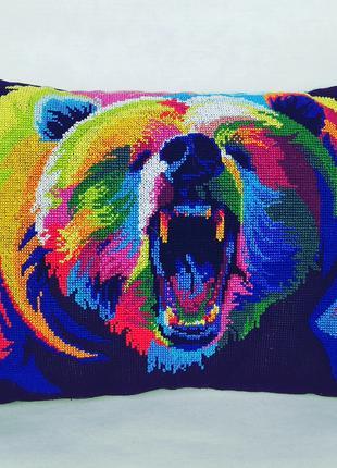 В наличии подушка ′радужные животные - медведь′ ручная вышивка