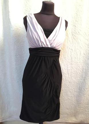 Платье черно-белое с чашками