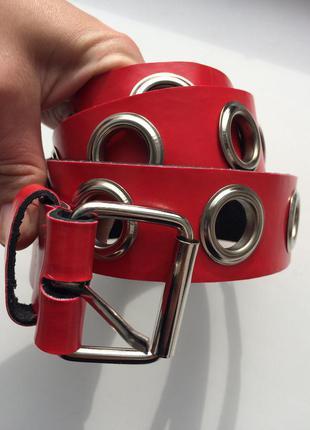 Крутой красный пояс ремень с кольцами