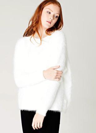 Белый пушистый свитер джемпер, oversize