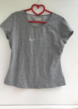 Отличная спортивная футболка, оригинал nike