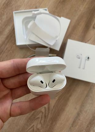 Новые Apple Airpods 2 (MRXJ2) с небольшим дефектом микрофона