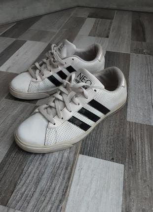 Кожаные кроссовки adidas neo. 35-35,5р